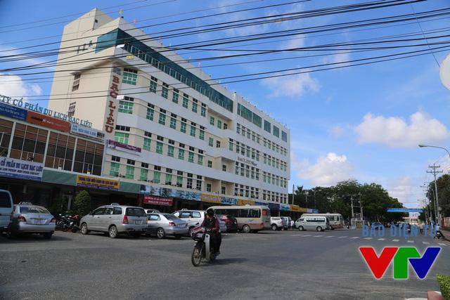 Khu vực khách sạn Bạc Liêu, khách sạn Trần Vinh là nơi các đơn vị trong ban tổ chức cùng nhiều đoàn khách của VTV Cup 2015 lưu trú.