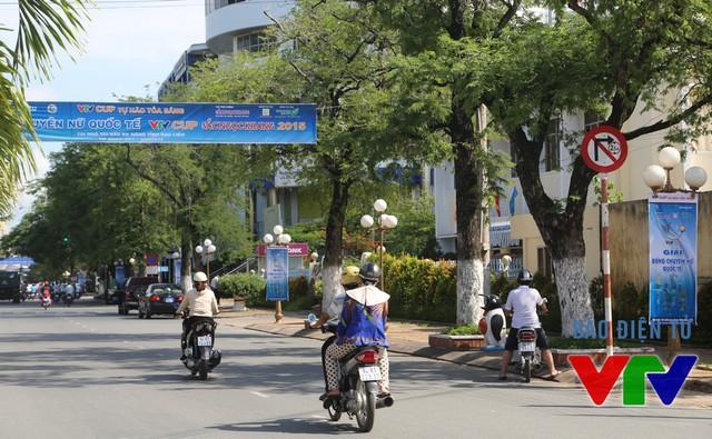 Trục đường Trần Phú tràn ngập không khí VTV Cup.