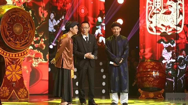 Nhà báo Lại Văn Sâm và diễn viên Tự Long, Xuân Bắc sẽ tiếp tục là những người dẫn dắt của 12 Con giáp năm Ất Mùi. (Ảnh: ĐL.Nhân Ái)