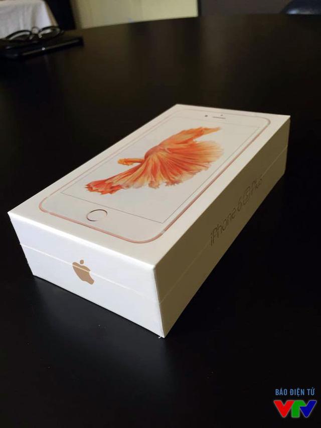Vỏ hộp iPhone 6S Plus phiên bản màu vàng hồng