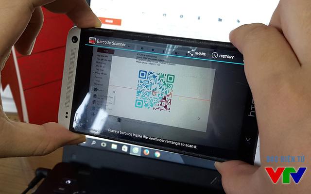Quét mã QR trên smartphone