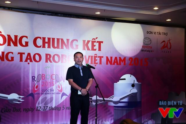 Ông Phan Hồng Hải - Đại diện Công ty Ô tô Toyota Việt Nam - Nhà tài trợ chính của cuộc thi Robocon Việt Nam