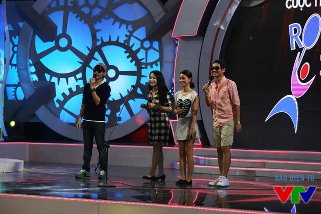 Bộ tứ MC tại vòng Chung kết cuộc thi Robocon Việt Nam