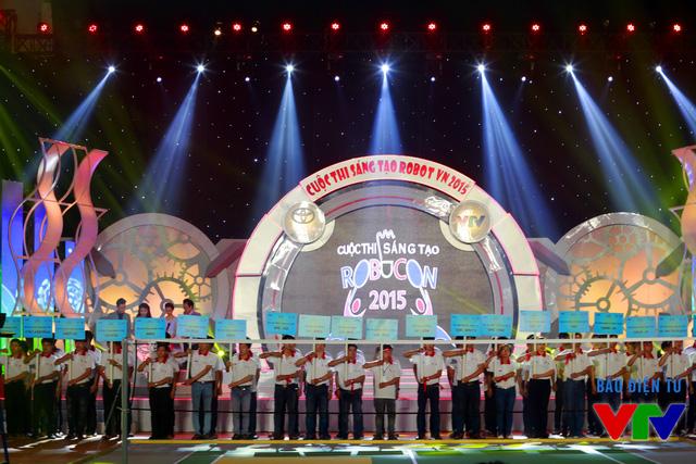 32 đội tuyển sẽ cùng tranh tài tại vòng Chung kết Robocon Việt Nam 2015