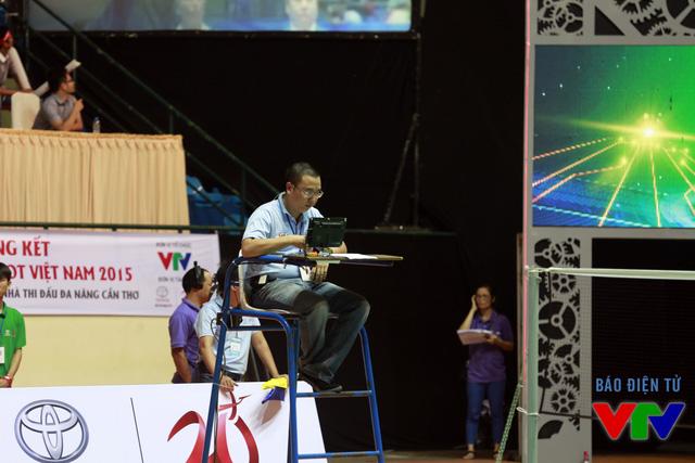 Trọng tài chính tại vòng Chung kết cuộc thi Robocon Việt Nam 2015