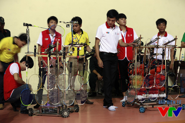 Các chú robot của đội VTEC - CKĐT đã chuẩn bị sẵn sàng