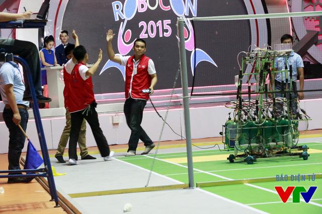 Đội tuyển SVI-01 cũng chiến thắng ngay từ trận đầu tiên
