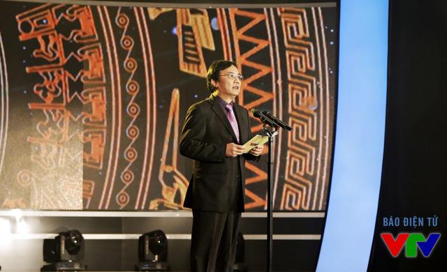Ông Phạm Việt Tiến - Phó Tổng Giám đốc Đài THVN, Chủ tịch LHTHTQ lần thứ 35 - đọc diễn văn khai mạc LHTHTQ lần thứ 35