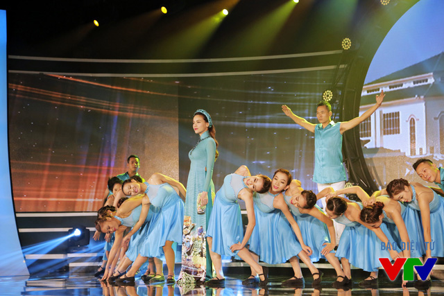 Ca sĩ Hồ Ngọc Hà thể hiện ca khúc Quảng Bình quê ta ơi với cách phối hoàn toàn mới