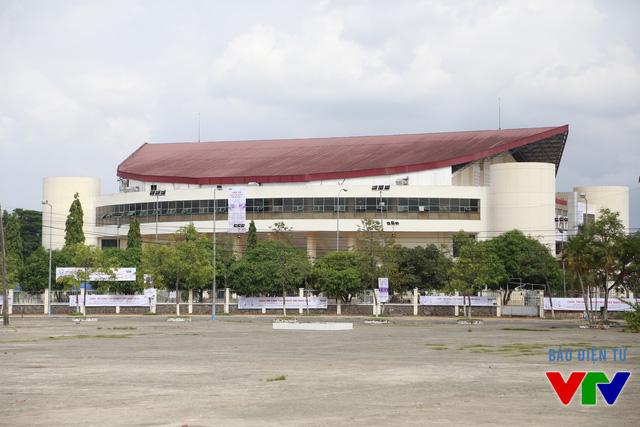 Nhà thi đấu đa năng thành phố Cần Thơ đã được chọn làm nơi tổ chức vòng Chung kết cuộc thi Robocon Việt Nam 2015