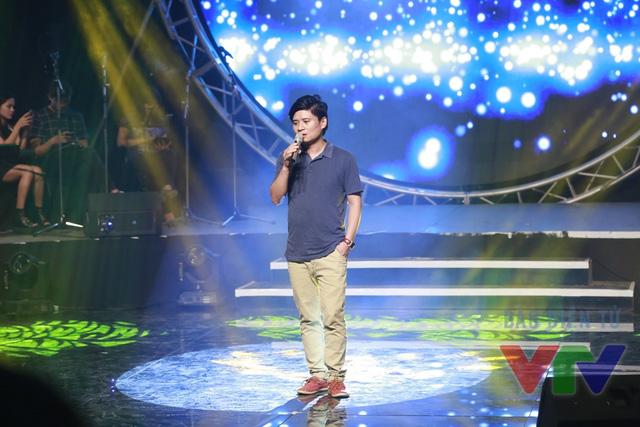 Ca sĩ Tấn Minh được vinh danh là Ca sĩ của tháng trong liveshow Bài hát yêu thích tháng 10