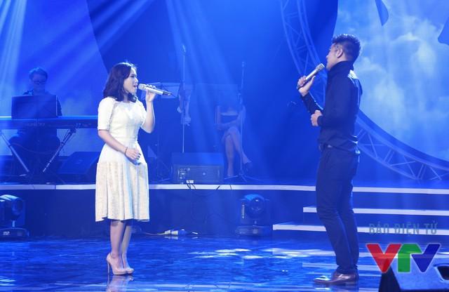 Tạ Quang Thắng và Thùy Chi song ca rất ngọt Trái tim không ngủ yên