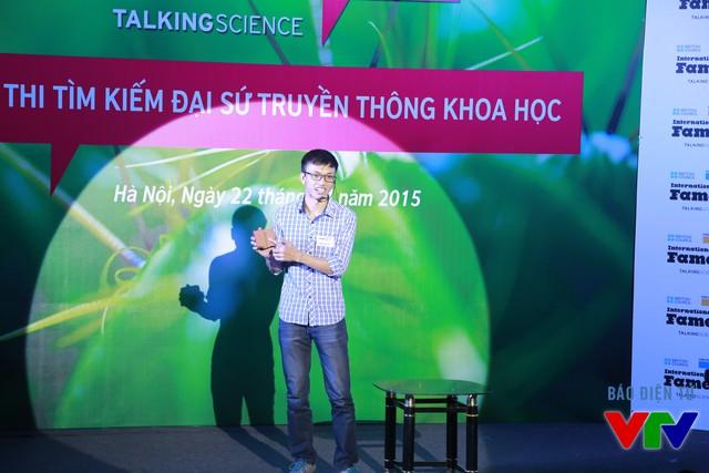 Cao Văn Tâm (Đại học Khoa học Tự nhiên) với chủ đề Phản vật chất