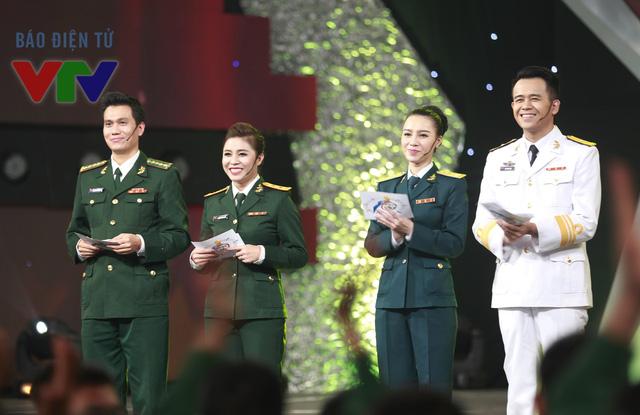 Việt Anh, Hoàng Linh, Minh Hà và Đức Bảo đảm nhận vai trò dẫn chương trình của Gala 9 năm Chúng tôi là chiến sĩ