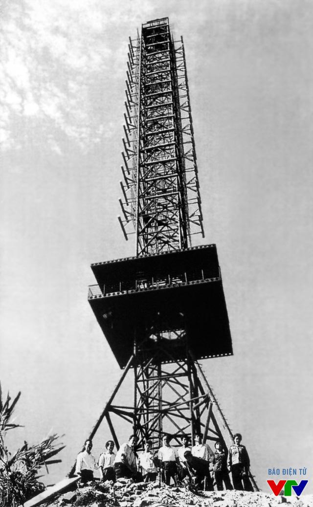 Cột phát sóng Tam Đảo trên độ cao 1250m