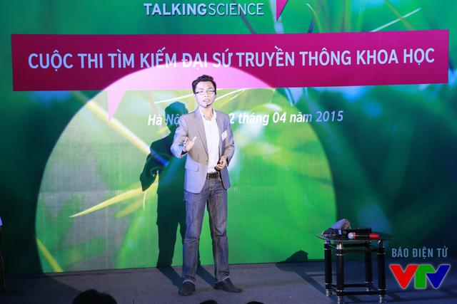 Huỳnh Ngọc Thái Anh (Đại học Cần Thơ) với chủ đề Hệ thống hỗ trợ giảng dạy bằng công nghệ nhận dạng cử chỉ