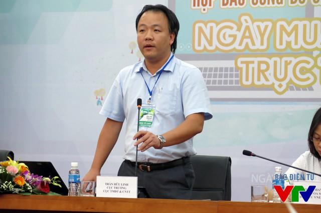 Ông Trần Hữu Linh - Cục trưởng Cục Thương mại điện tử và Công nghệ thông tin - trình bày kế hoạch triển khai Ngày mua sắm trực tuyến 2015