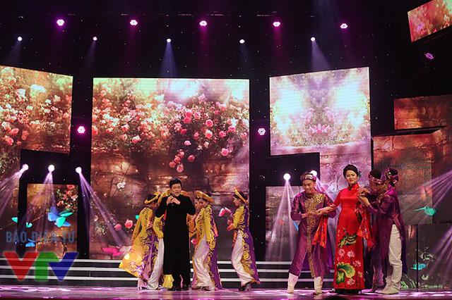 Nam ca sĩ Minh Quân và ca sĩ Thùy Dung.