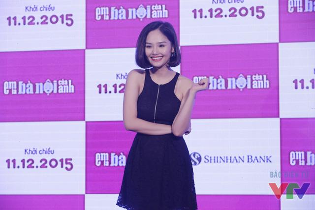 Miu Lê đảm nhận vai cô gái bí ẩn Thanh Nga trong Em là bà nội của anh