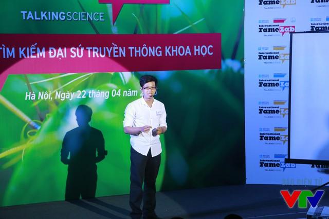 Nguyễn Huỳnh Anh Khôi (Đại học Cần Thơ) với chủ đề Gây quỹ cộng đồng và những nhân tố ảnh hưởng đến một dự án gây quỹ