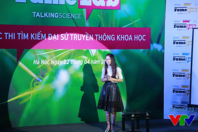 Nguyễn Khánh Linh (Đại học Khoa học Tự nhiên) với chủ đề Nghiên cứu phát triển pin nhiên liệu sinh học như một thiết bị cảm biến đánh giá chất lượng nước thải