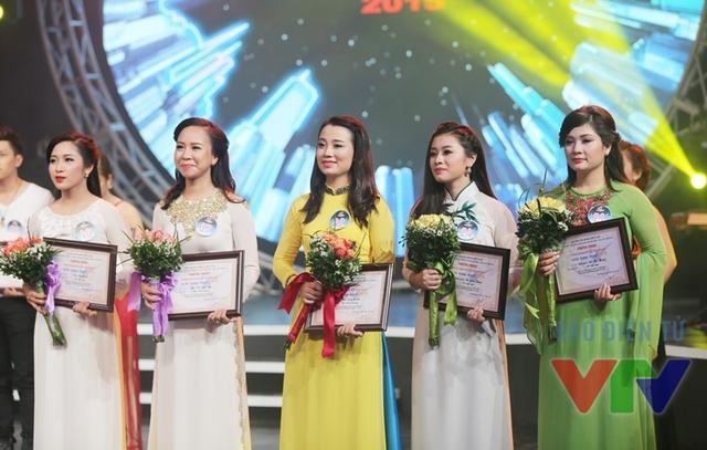 Các thí sinh thuộc phong cách dân gian giành được tấm vé đi tới vòng chung kết toàn quốc
