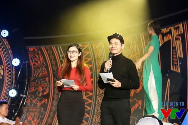 MC Thùy Linh và MC Hồng Phúc