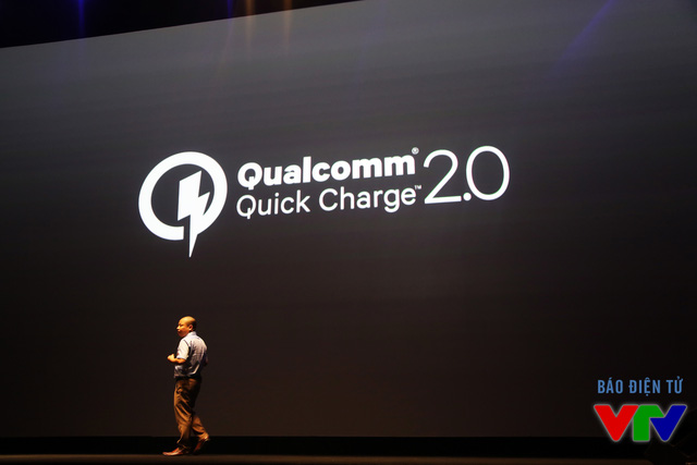 BPhone được tích hợp tính năng sạc nhanh Quick Charge 2.0