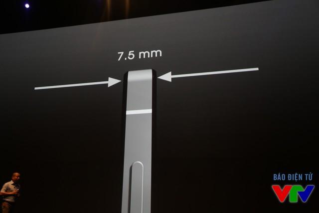 Máy được thiết kế khá mỏng với độ dày chỉ 7,5 mm