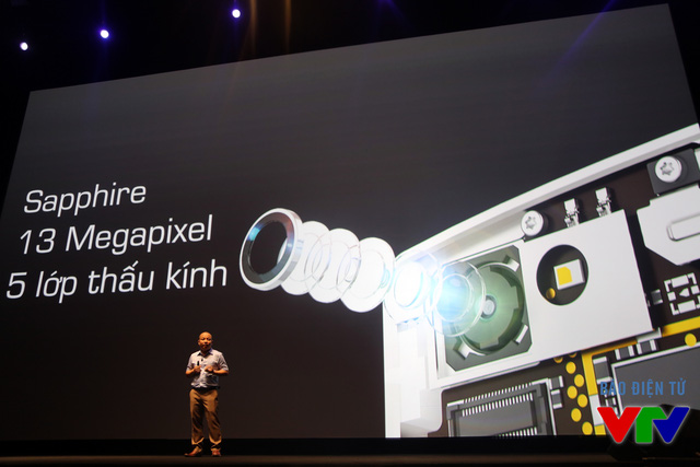 Camera của BPhone được trang bị lớp kính Sapphire