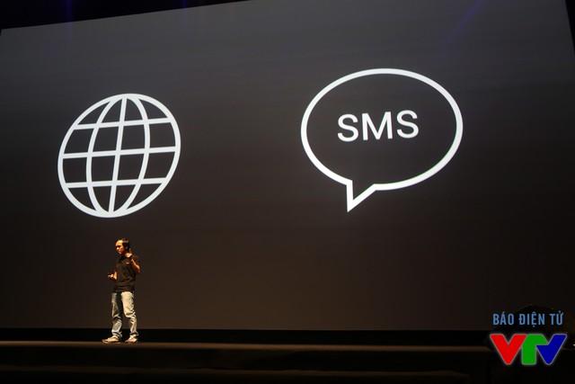 Khác với các thiết bị iOS và Android, người dùng có thể định vị BPhone qua kết nối Internet hoặc tin nhắn SMS