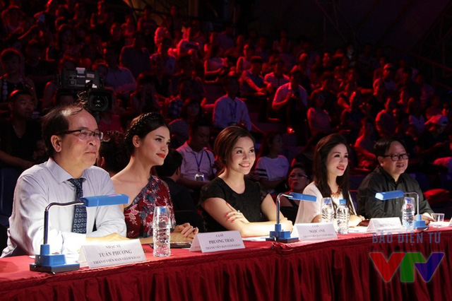 Ban giám khảo đêm chung kết Sao mai 2015 khu vực phía Bắc
