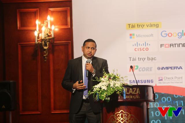Ông Keshav S Dhakad - Thẩm Phán Cao Cấp - Bộ phận Phòng Chống Tội Phạm Số (Digital Crimes Unit - DCU) Châu Á - Microsoft Châu Á - Thái Bình Dương phát biểu tại hội thảo