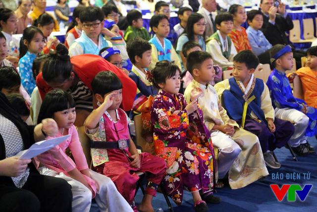 Các học sinh tại trường Quốc tế Việt Nam