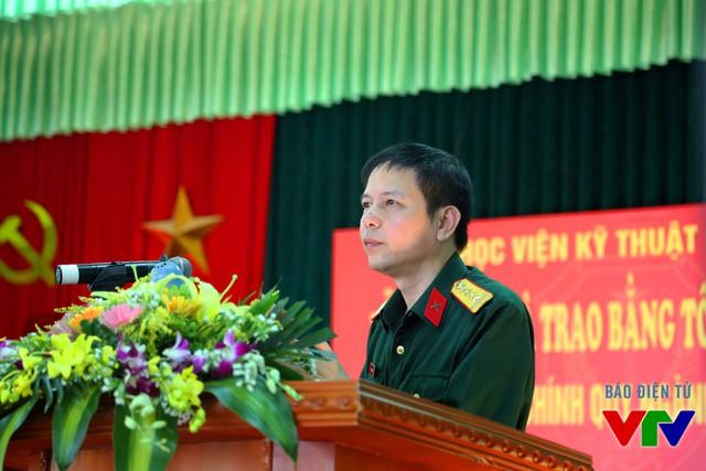 Ông Nguyễn Nam Hải - Bí thư Đảng ủy - Giám đốc Học viện Kỹ thuật Mật mã phát biểu tại Lễ bế giảng