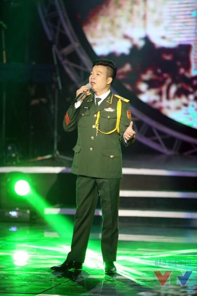 Ca khúc Trên đỉnh Trường Sơn ta hát không dễ để thể hiện nhưng Vũ Thắng Lợi đã chinh phục được nhờ sự tự tin vốn có của anh. Anh nhận được sự khen ngợi của nhạc sĩ Trương Quý Hải.