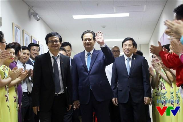 Thủ tướng Nguyễn Tấn Dũng tới dự Lễ kỷ niệm 45 năm Ngày phát sóng chương trình đầu tiên của Đài Truyền hình Việt Nam
