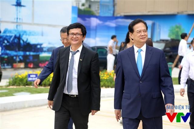 Tổng Giám đốc Trần Bình Minh dẫn đầu đoàn đón tiếp Thủ tướng Nguyễn Tấn Dũng