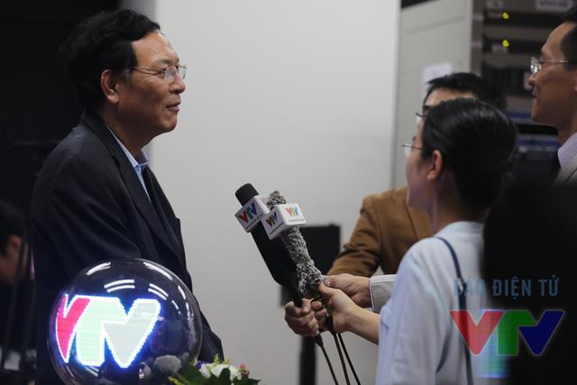 Bộ trưởng Phạm Vũ Luận chia sẻ cùng báo giới về sự ra đời của VTV7