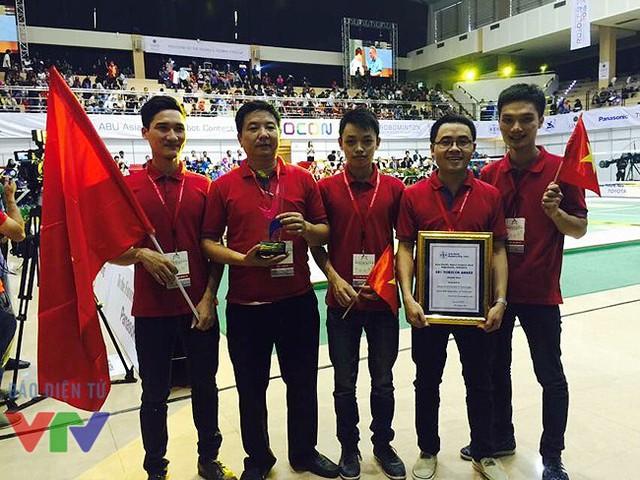 Đoàn Robocon Việt Nam vô địch tại ABU Robocon 2015