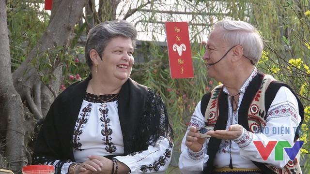 Vợ chồng ông bà đại sứ Romania tại Việt Nam