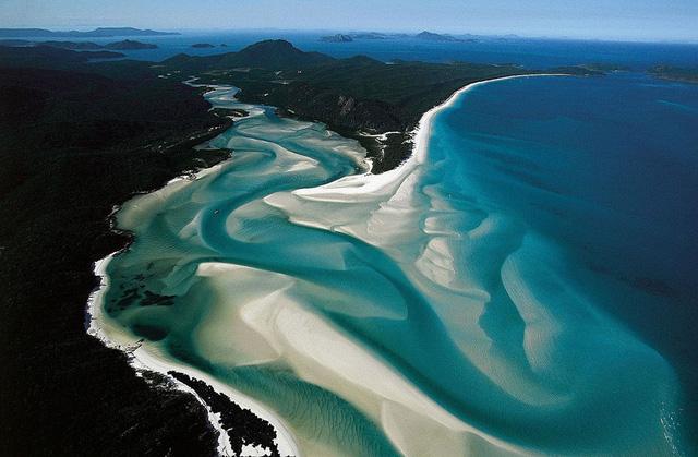 Bãi biển Whitehaven với những hạt cát được đánh giá là tinh khiết nhất thế giới