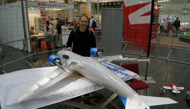 Martin Muller và mô hình máy bay A310