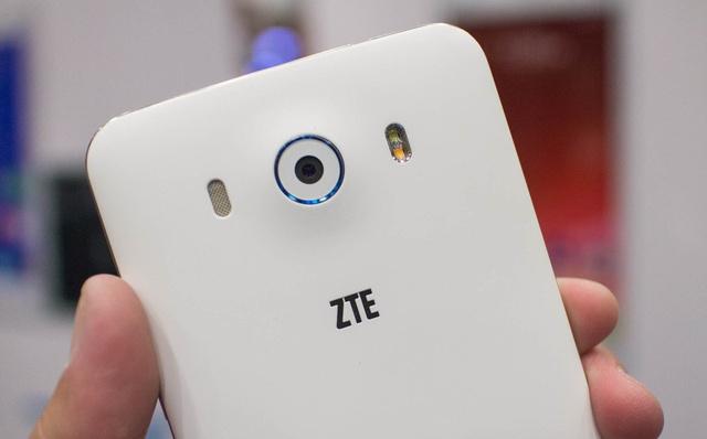 Camera sau của ZTE Grand S3 có độ phân giải lên tới 16MP