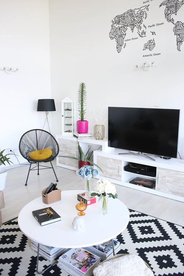 Đồ nội thất mang nét hiện đại, trẻ trung, hòa hợp với không gian của căn nhà.
