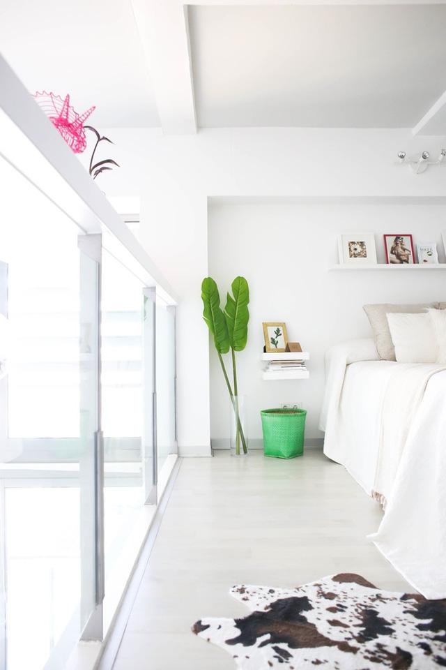 Phòng ngủ được tô điểm bởi nét châu Á gần gũi nhưng vẫn rất tinh tế.