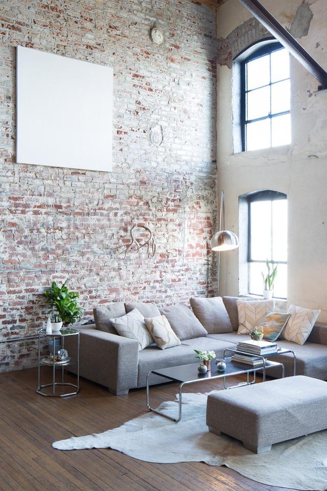 Những ô cửa góp phần đưa nắng gió vào không gian nhà ở, tạo cảm giác thoáng đãng và sáng sủa một cách tự nhiên.