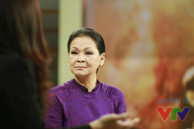 Cũng tại trường quay Cuộc sống thường ngày, bà đã lần đầu tiết lộ những điều ít ai biết về cuộc đời của cố nhạc sĩ Trịnh Công Sơn.