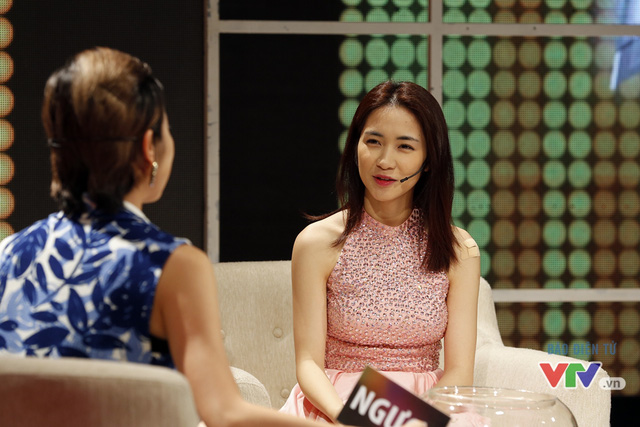 Khi tranh luận về chủ đề này, Hòa Minzy đã phải lên tiếng khẳng định cô không hề dựa hơi Sơn Tùng M-TP để mong tìm kiếm sự nổi tiếng