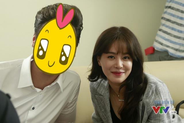 Và, để biết người bạn diễn của Jung Hae Na là ai, các bạn đừng quên thường xuyên truy cập vào VTV News bởi chúng tôi sẽ hé lộ danh tính của mỹ nam này sớm thôi!